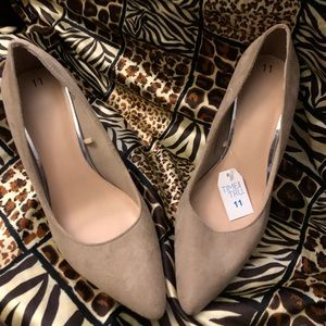 "Pointed toe tan 4"" heels 👠 sz 11"